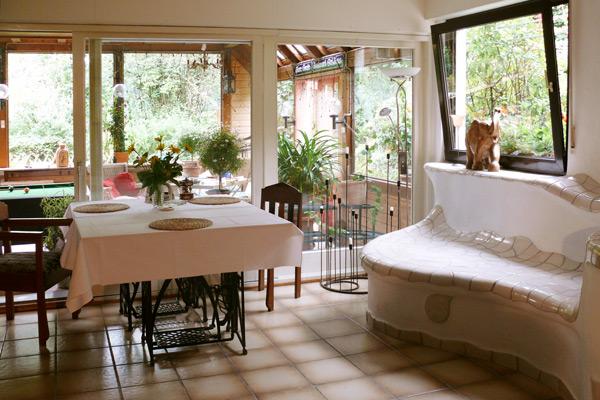 esstisch sitzbank kachelofen. Black Bedroom Furniture Sets. Home Design Ideas